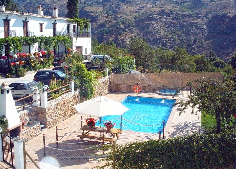 Casas rurales con piscina climatizada jacuzzi y saunas en - Casas rurales granada jacuzzi ...